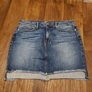 Good American Uneven Hem Skirt